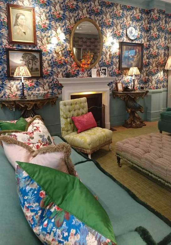 turnell-gion-at-home-bloomsbury-room